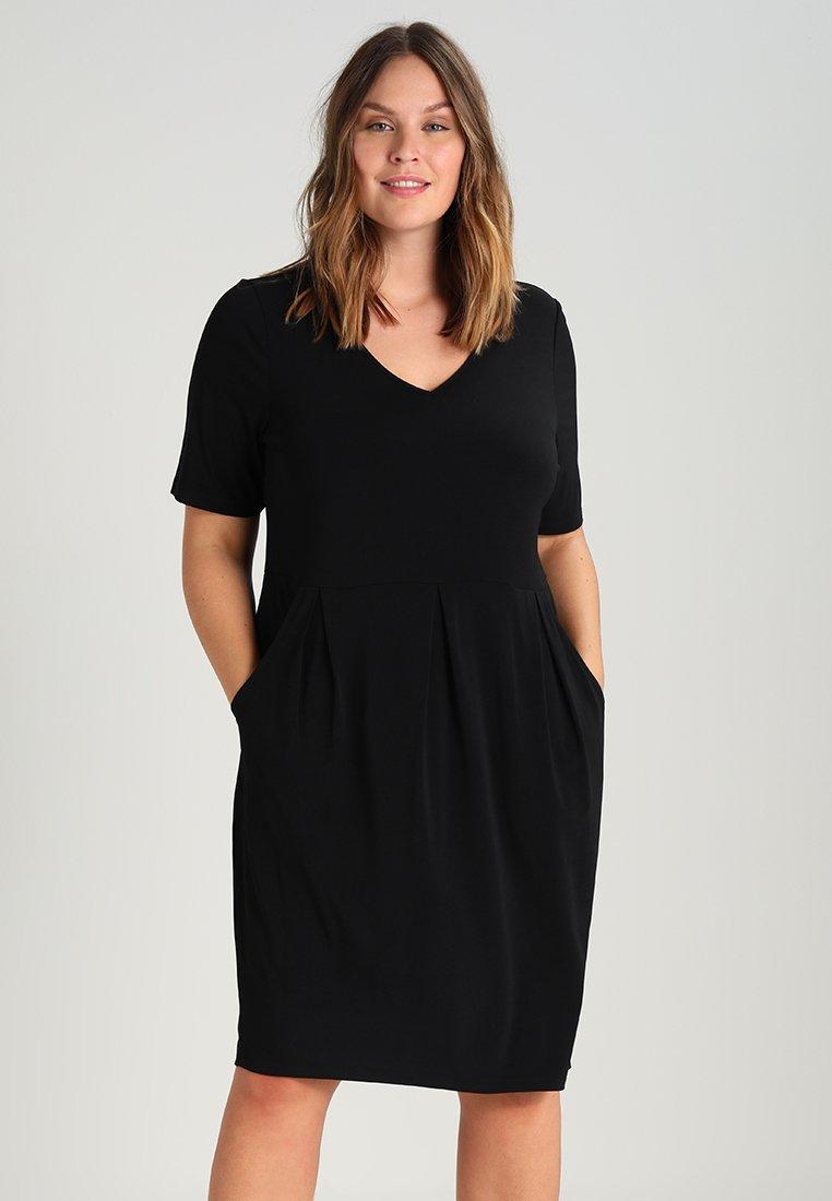 Zalando Essentials Curvy - Robe en jersey - black