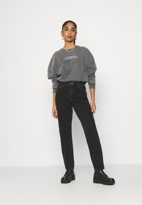 Noisy May - NMISABELANKL MOM  - Jeans baggy - black - 1