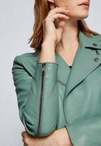 BOSS - Veste en cuir - light green - 3