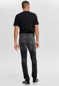 Only & Sons - WEFT - Jeans Relaxed Fit - black denim