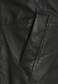 Goosecraft - KAI COAT - Krátký kabát - black - 4