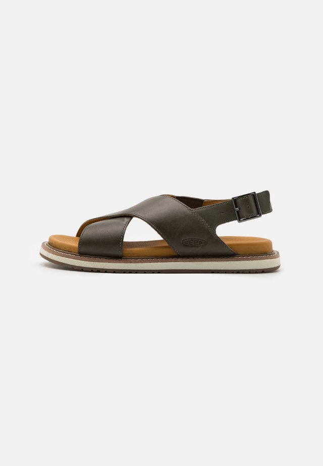 LANA CROSS STRAP - Vandringssandaler - dusty olive/silver birch