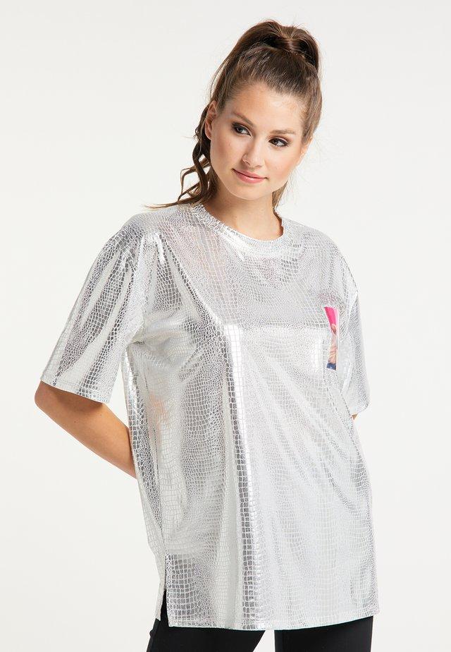 T-shirt z nadrukiem - silber
