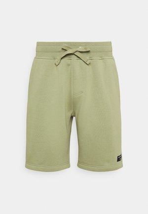 CENTRE SHORTS - Pantaloncini sportivi - oil green