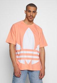 adidas Originals - TREFOIL TEE - T-shirt imprimé - chacor - 0