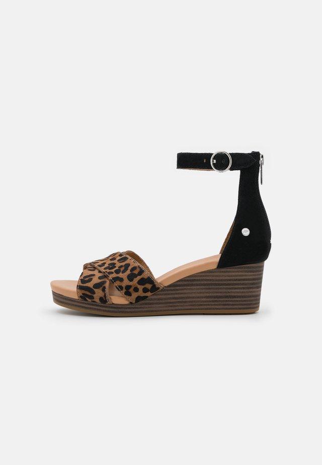 EUGENIA  - Platform sandals - black/tan