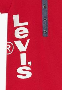 Levi's® - HENLEY ROMPER - Mono - lychee - 3