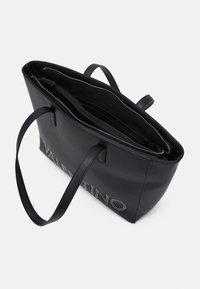 Valentino Bags - PORTIA - Tote bag - nero - 2