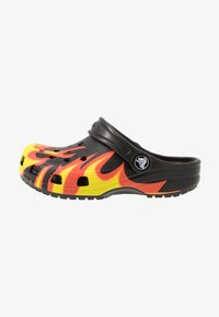 Crocs - CLASSIC FLAME BROILED - Pool slides - black - 1