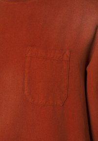 Caterpillar - HEAVY WASHED POCKET - Sweatshirt - rust - 2