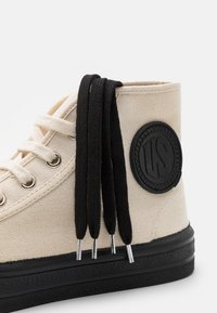 US Rubber Company - UNISEX - Sneakersy wysokie - offwhite - 5