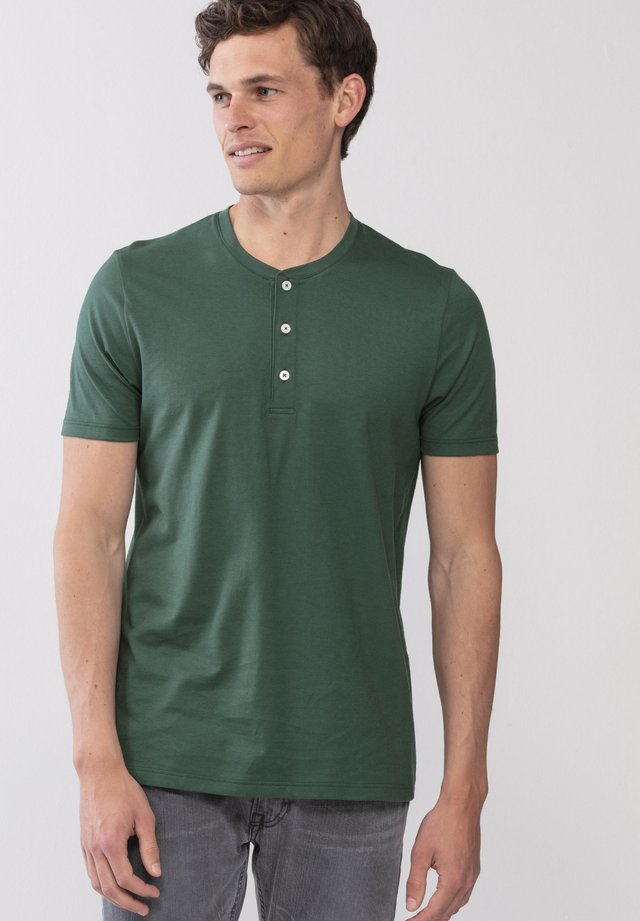 Basic T-shirt - green garden