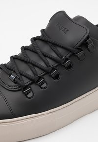 Nubikk - JAGGER CLASSIC - Sneakers basse - black - 5