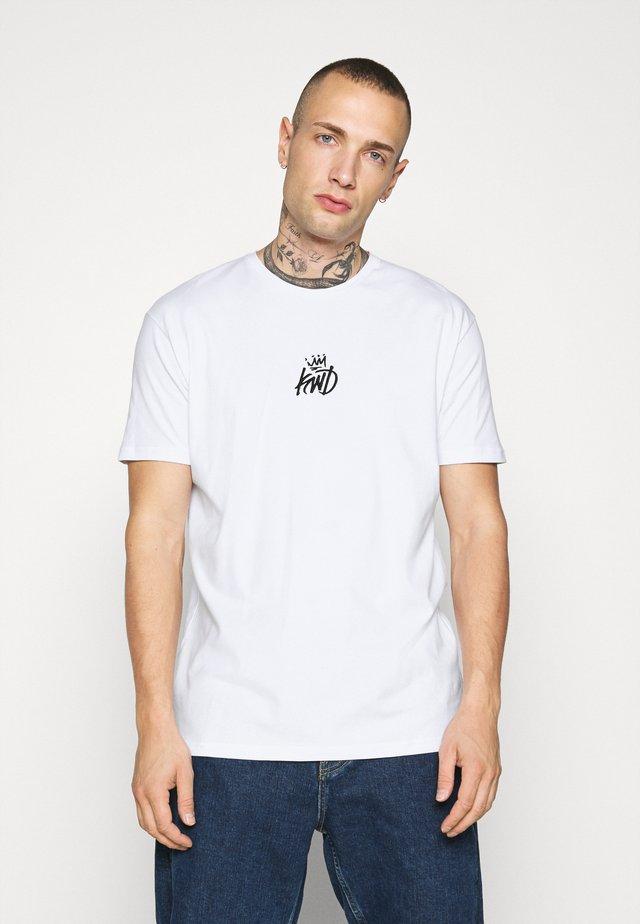 NARCA TEE - T-shirt imprimé - white