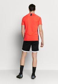 Nike Performance - DRY ACADEMY - Print T-shirt - laser crimson/valerian blue - 2