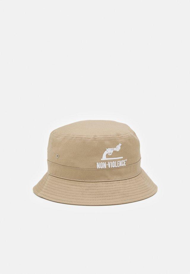 JACNON-VIOLENCE BUCKET HAT - Hat - crockery