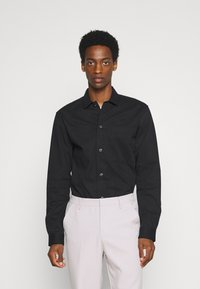 Selected Homme - SLHLOOSETIVAN  - Kostymskjorta - black - 0