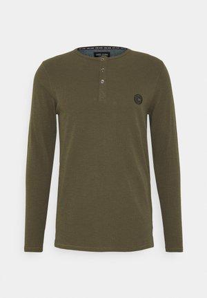 BREND - Long sleeved top - army