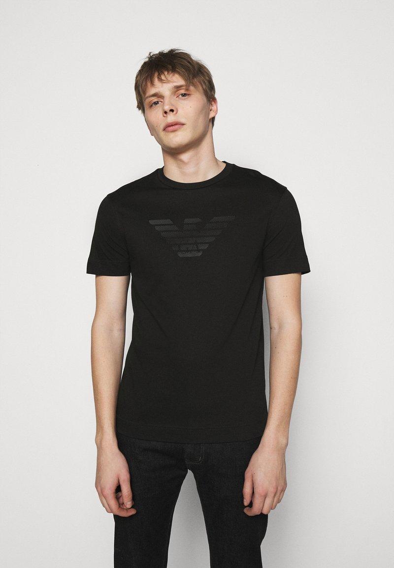 Emporio Armani - T-shirt z nadrukiem - black