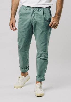 KALE PLEATED - Chinos - green