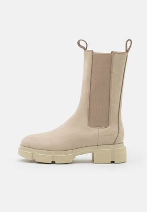 Platform boots - nature