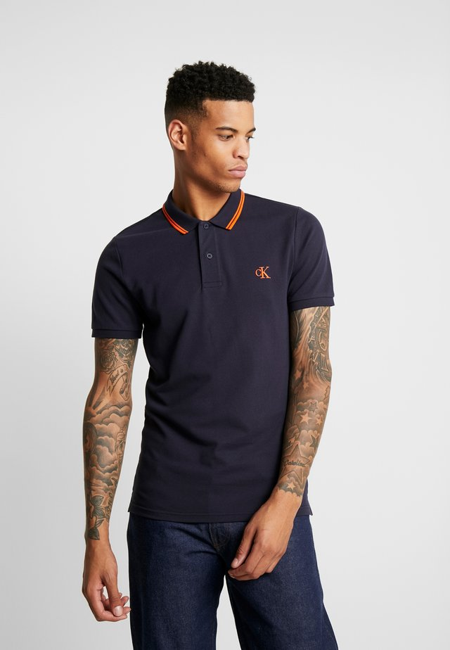 ESSENTIAL TIPPING SLIM FIT - Polo - night sky/orange