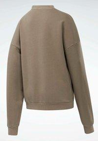 Reebok Classic - REEBOK CLASSICS NATURAL DYE OVERSIZE CREW DRESS - Sweatshirt - grey - 7