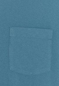 Patagonia - POCKET TEE - Print T-shirt - pigeon blue - 2