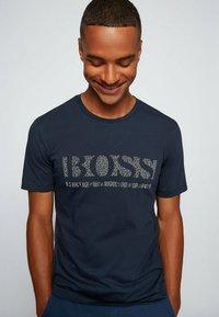 BOSS - TEE PIXEL  - Print T-shirt - dark blue - 3