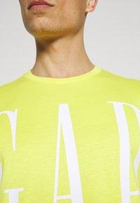 GAP - CORP LOGO  - T-shirts print - bright lemon meringue - 6