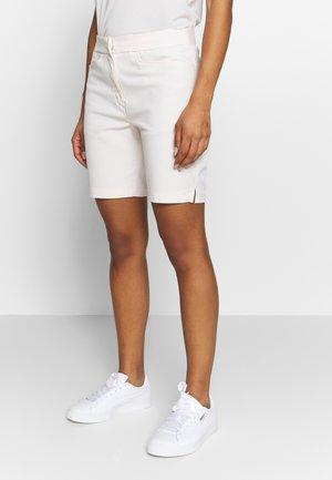 POUNCE BERMUDA - Sports shorts - rosewater