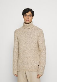 TOM TAILOR - TURTLE NECK SWEATER - Stickad tröja - white/camel - 0