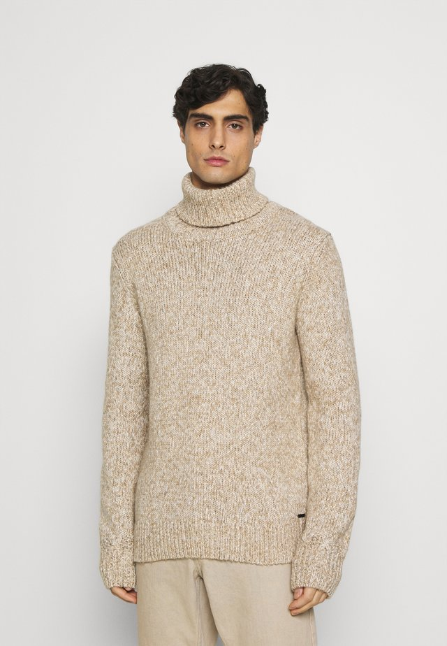 TURTLE NECK SWEATER - Jumper - white/camel
