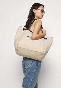 U.S. Polo Assn. - ELMORE - Tote bag - natural/black - 1