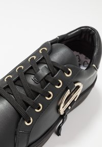 Love Moschino - DAILY LOVE - Zapatillas - black - 2