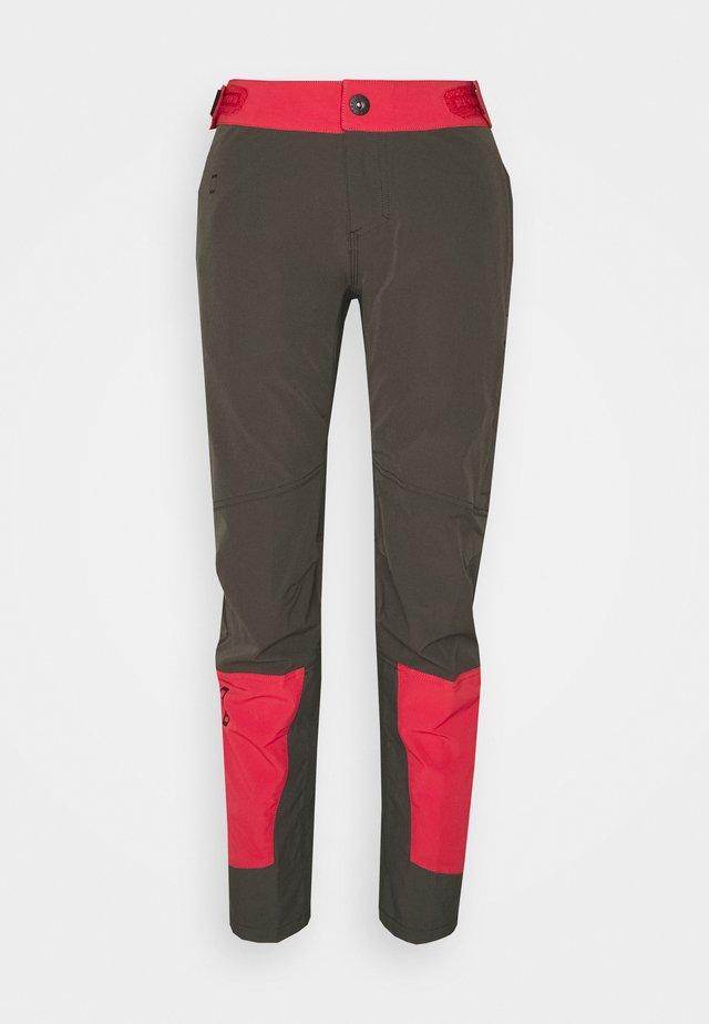 PANTS SHELTER - Pantalons outdoor - root brown