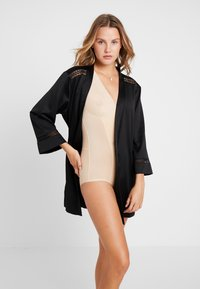 MAGIC Bodyfashion - DSIRED SCALLOP SHEER - Body - latte - 1
