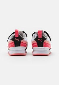 Puma - R78 - Sneakers laag - white/apricot/blush/black - 2