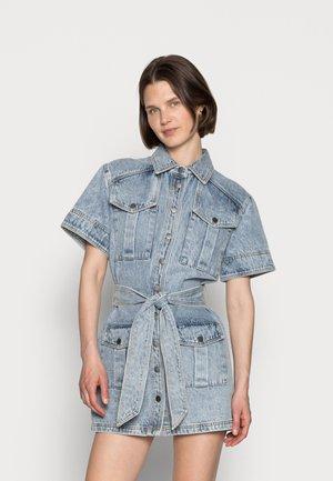 HEART FULL DRESS - Spijkerjurk - washed blue denim