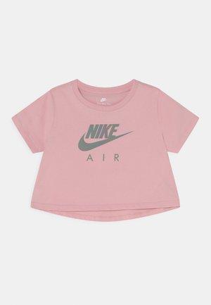 TEE CROP AIR - Triko spotiskem - pink glaze