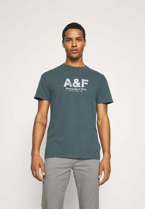 Abercrombie & Fitch CROSS CHEST TECH - T-shirt z nadrukiem - dark slate/niebieskoszary Odzież Męska HREK