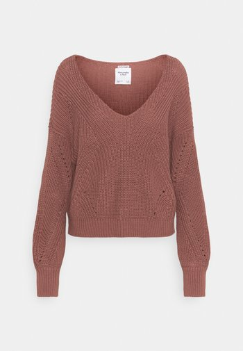 FRIENDLY SLOUCHY VNECK