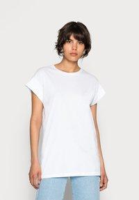 Moss Copenhagen - ALVA PLAIN TEE - Basic T-shirt - white - 0