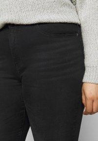 ONLY Carmakoma - CARLAOLA LIFE - Jeans Skinny Fit - black - 4