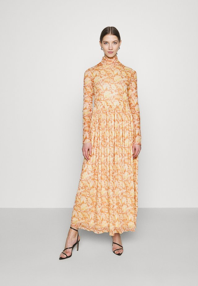 DRESS LIGHT FLORAL  - Maxi šaty - light copper