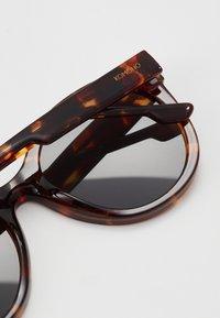 Komono - ELLIS - Sunglasses - havana - 2
