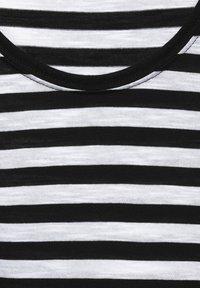 Street One - MIT STREIFEN MUSTER - Print T-shirt - schwarz - 4