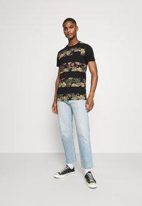 INDICODE JEANS - EPSLEY - T-shirt print - black - 1