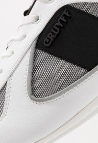 Cruyff - NITE CRAWLER - Trainers - white - 5