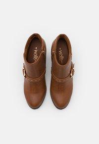 Wallis Wide Fit - WIDE FIT WANDERSON - Boots à talons - dark tan - 5